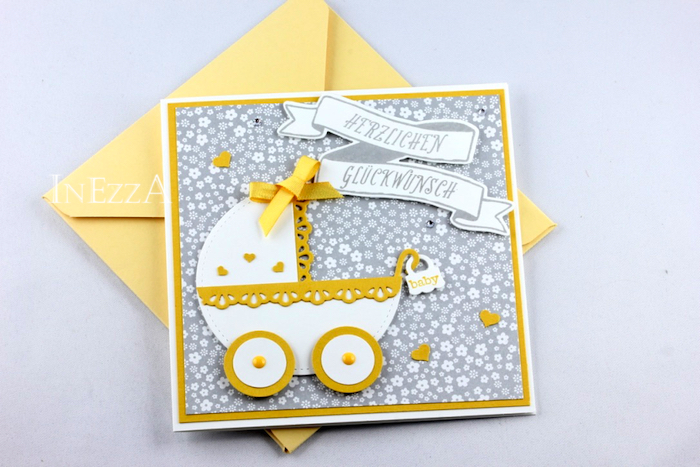 Babykarte mit Babywagen